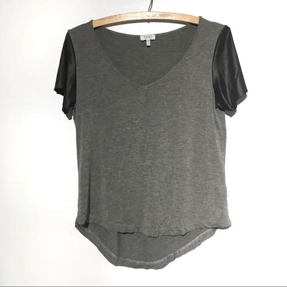 Tobi Tops - TOBI Short Sleeve Top Grey Black Sleeve Detail S